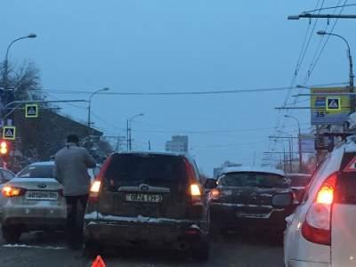 Утром Волгоград встал в8-балльных пробках из-за множества ДТП