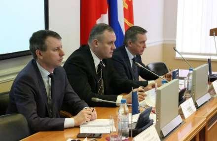 Сегодня народные избранники Волгограда решат, стоитли поднять заработную плату бюджетникам