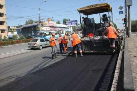 Неменее 100 улиц вВолгограде начали проверять накачество асфальта