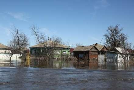 94 волгоградские семьи, пострадавшие отпаводка, получили первые выплаты