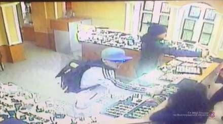 Саратовцы осуждены заограбление ювелирного магазина вКамышине