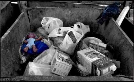Тело новорожденного ребенка отыскали вволгоградском мусоропроводе