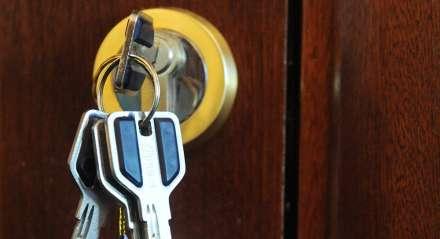 ВВолгограде мошенники оформили квартиру наумершую пенсионерку
