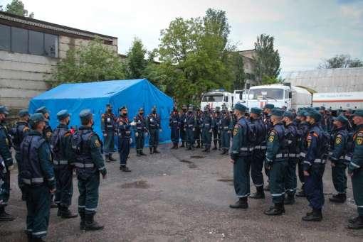 В Волгоград транзитом прибыли спасатели, направляющиеся в Дагестан для борьбы с COVID-19, фото-1