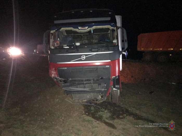На трассе в Волгоградской области в ДТП пострадали 5 человек