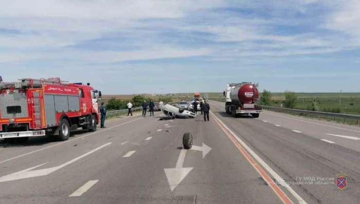 В лобовом ДТП в Волгоградской области погибла женщина, ещё две – ранены