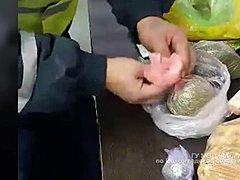 Под Волгоградом пассажиры двух автобусов перевозили наркотики